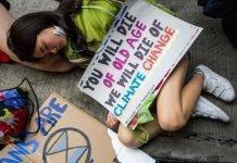 Gli striscioni più creativi contro il cambiamento climatico