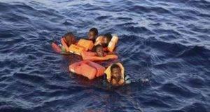 Migranti, Guardia Costiera salva 90 naufraghi