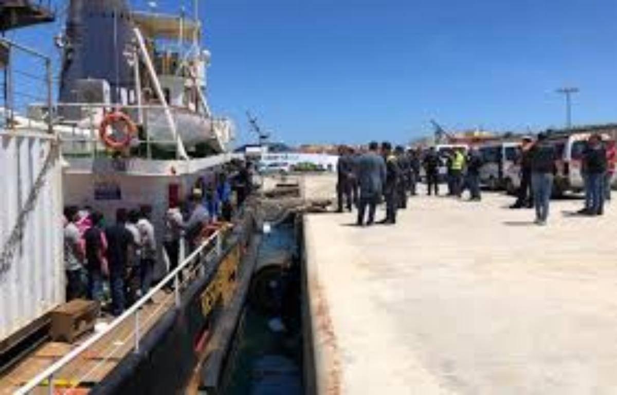 Migranti, sbarchi continui a Lampedusa