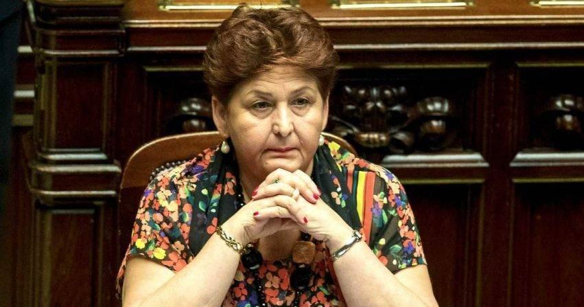 Ministra Bellanova denunciata dai dipendenti Almaviva