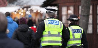 Manchester, 40enne accoltella 5 persone