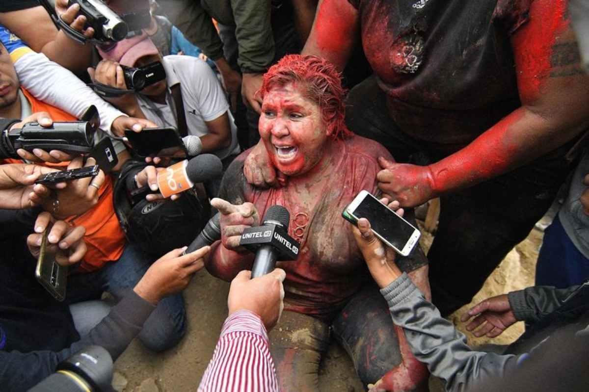 Sindaca aggredita in Bolivia