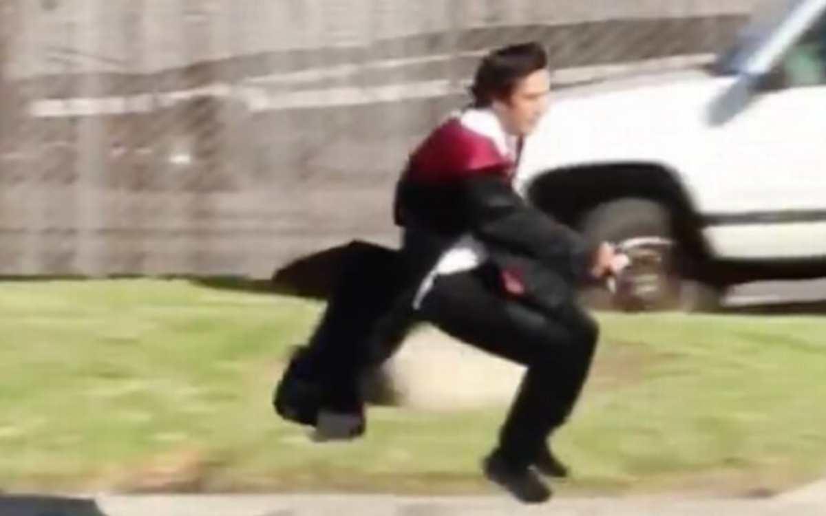 Uomo vola sulla scopa come Harry Potter, il video raggiunge