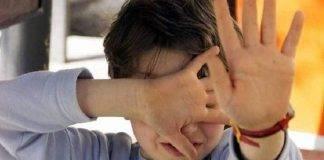 bimbo picchiato durante fortnite