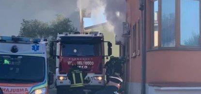 Lucca, sfrattato si da fuoco