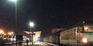 ragazza investita da un treno