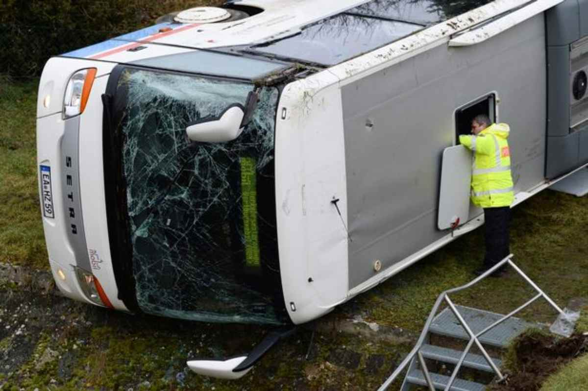 Germania: incidente a scuolabus, 2 morti - Ultima Ora