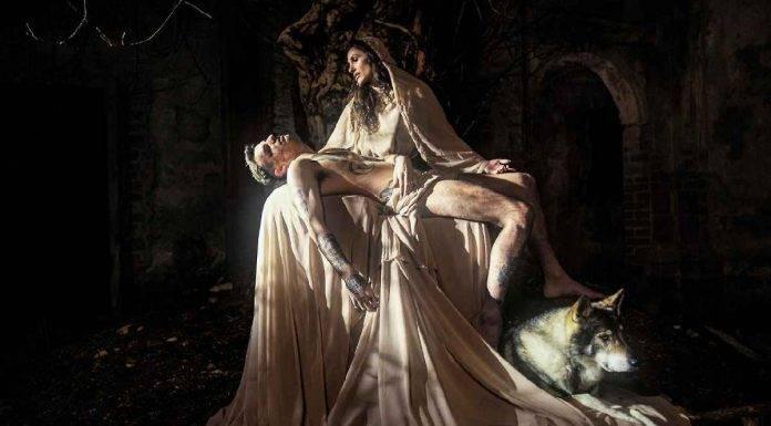 Achille Lauro e Elena D'Amario, La Pietà