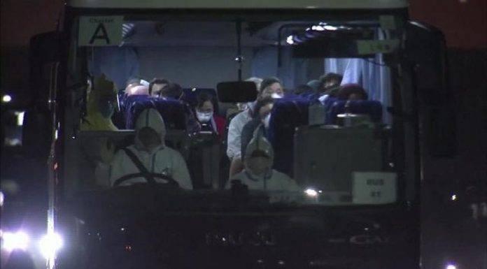 Cononavirus americani rientrano, primo contagiato italiano, morto direttore ospedale Wuhan