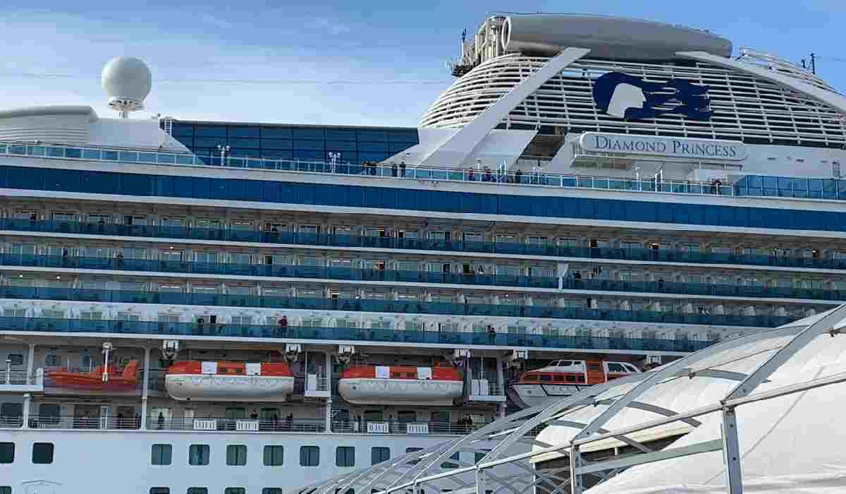 Coronavirus, passeggeri evacuati sulla nave da crociera Diam