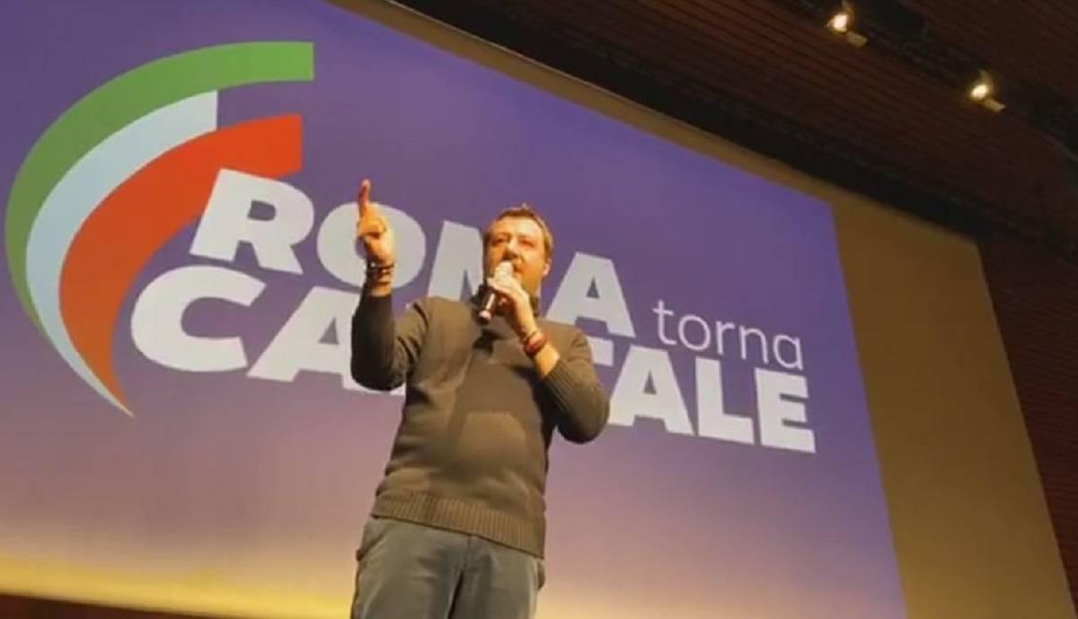 """Salvini agguerrito attacca tutti all'evento della Lega: """"Vin"""