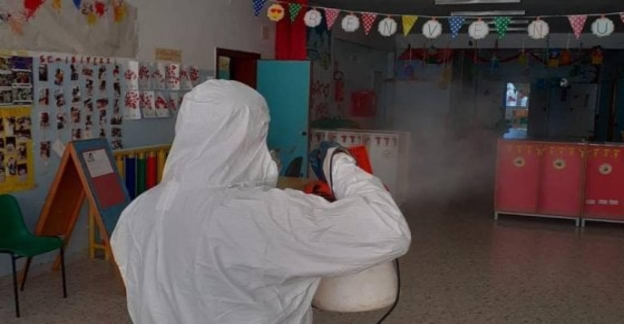 """Coronavirus, le scuole restano chiuse: otto giorni di """"stop"""""""