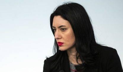 Lucia Azzolina, proroga chiusura scuole