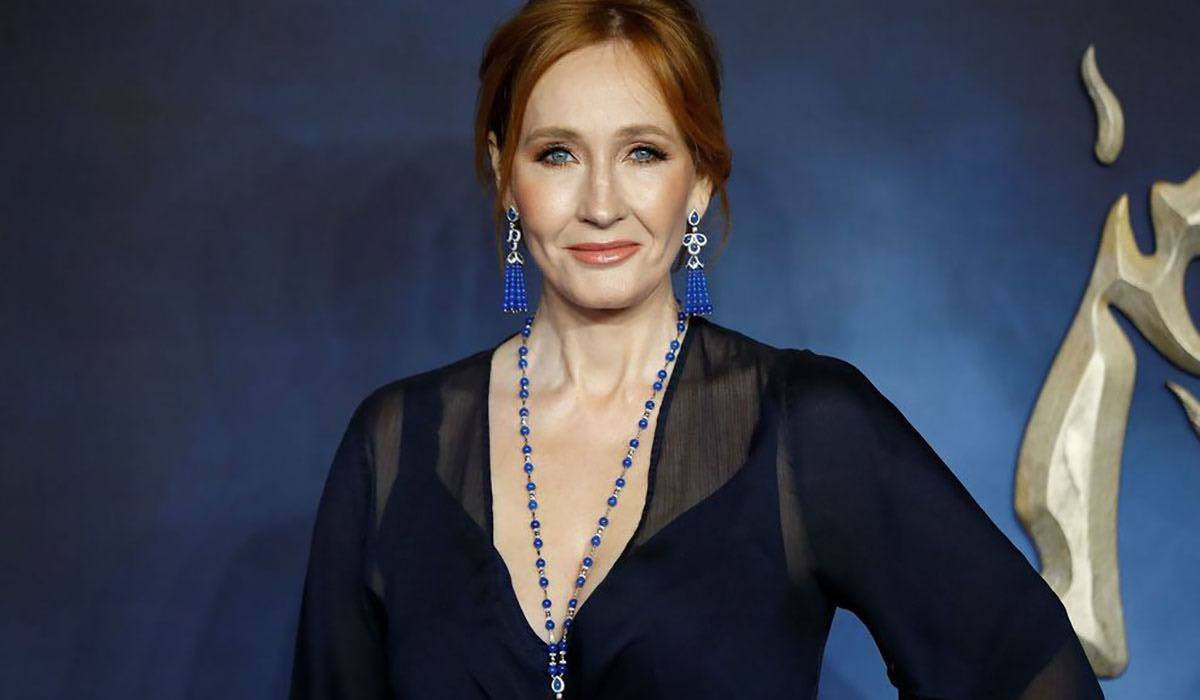 """JK Rowling svela: """"Ho accusato i sintomi del Covid 19 ma mi"""