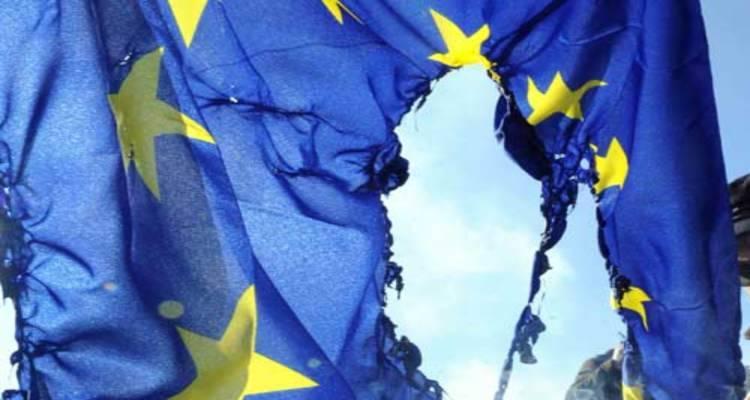 brucia bandiera europea