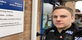 poliziotto paralizzato calci