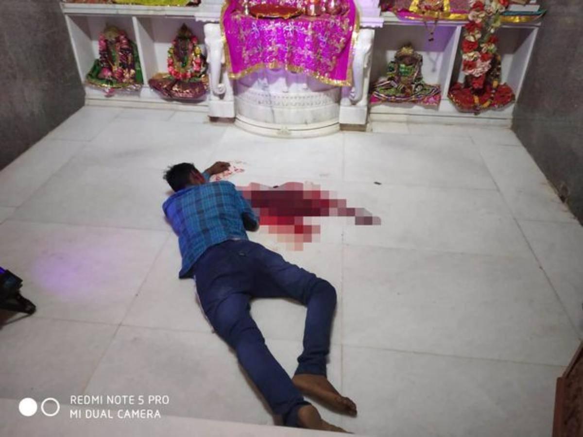 Coronavirus, tagliarsi la lingua per fermare il contagio: il folle sacrificio di un indiano