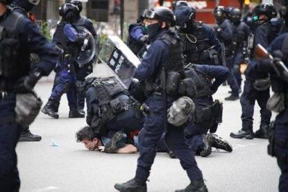 Esercito Cina a Hong Kong approva legge