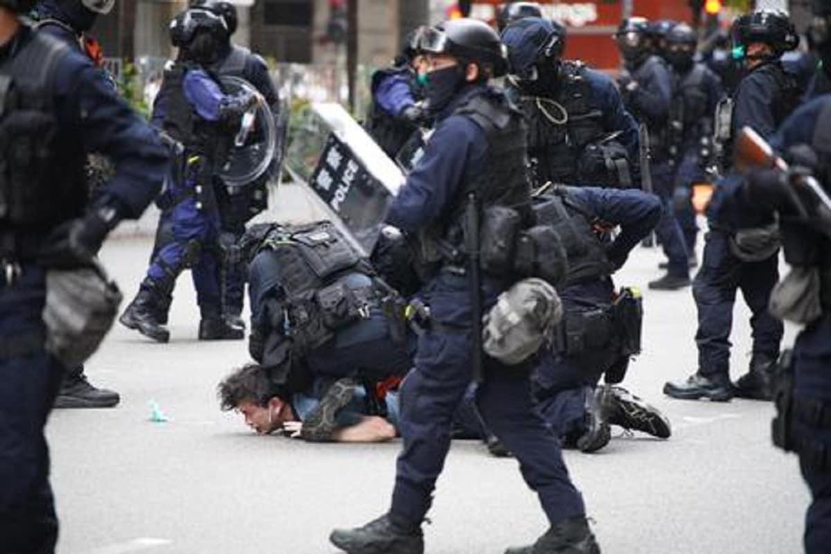 Arresti di dimostranti a Honk Kong