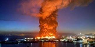 incendio al pier 45 della città