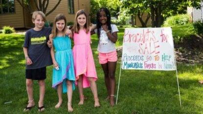 Bambina di 9 anni raccoglie un capitale per aiutare aziende di persone di colore