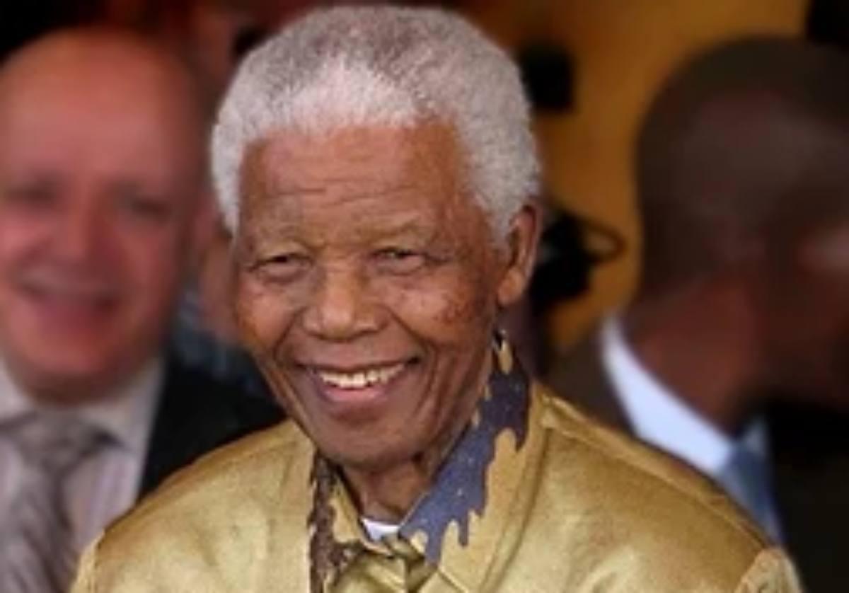 La storia di Nelson Mandela, cui è stato dedicato il film La lunga ...