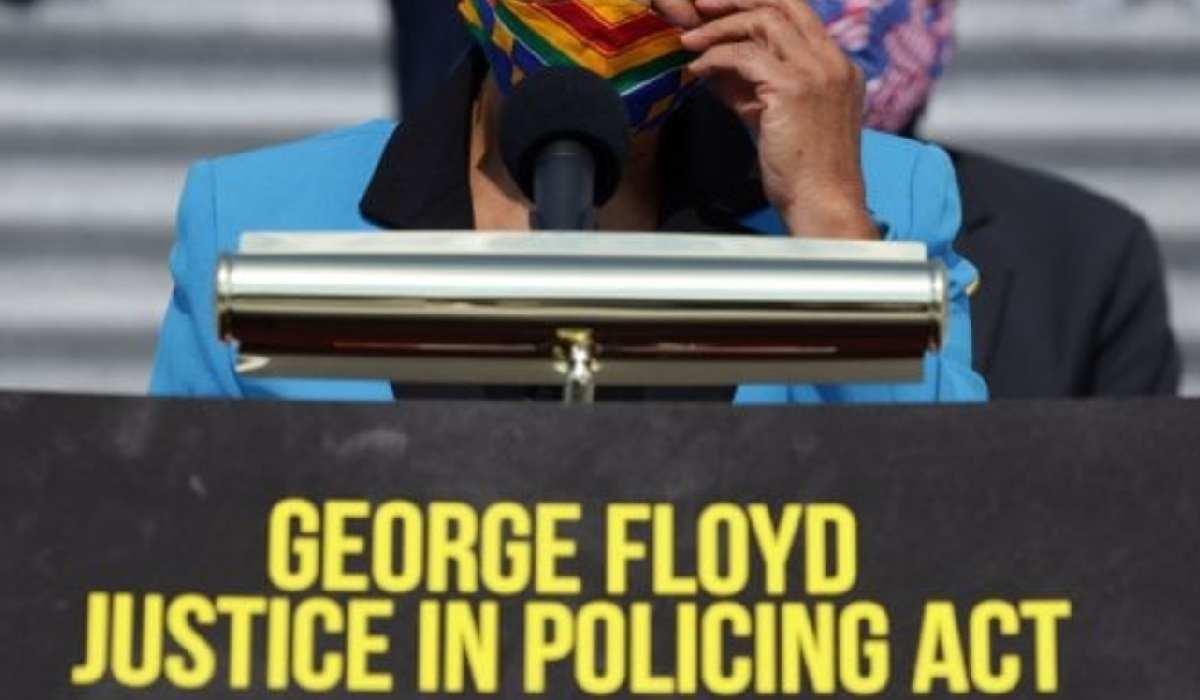 Usa, la Camera approva il progetto di riforma della polizia