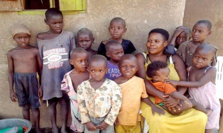 donna 44 figli utero ovaie