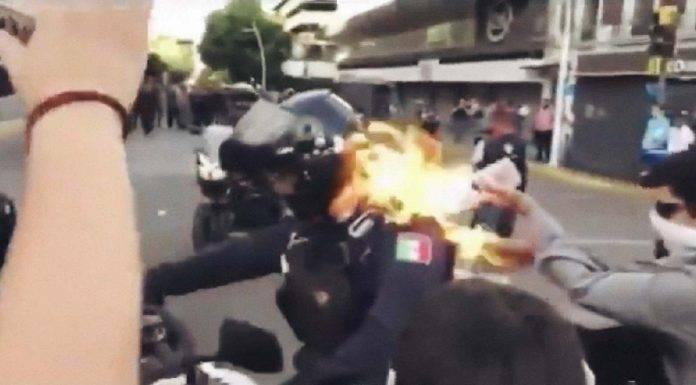 poliziotto messico proteste