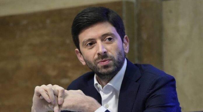 Coronavirus, Roberto Speranza dispone divieto di ingresso da 13 Paesi
