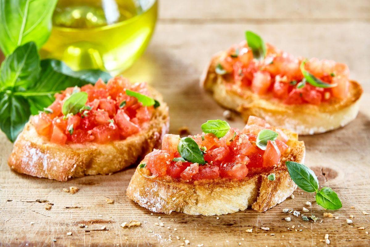 Bruschetta al pomodoro: i trucchi per preparare al meglio qu