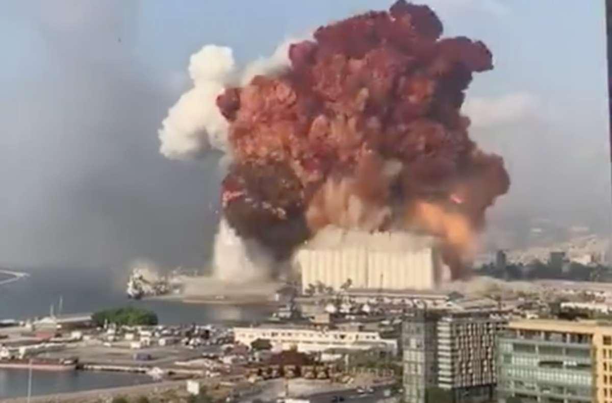 Video dell'esplosione a Beirut ed aggiornamenti: almeno 30 morti, migliaia di feriti tra cui due militari italiani