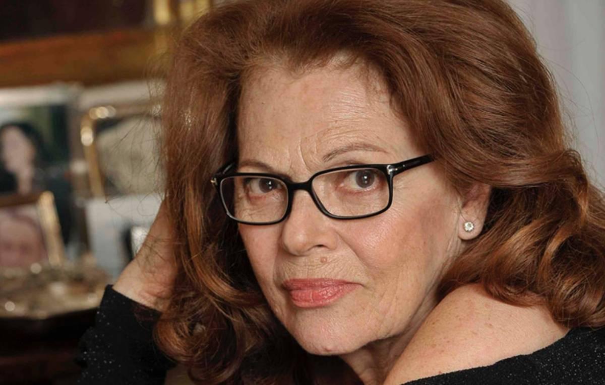 """Chi è Valeria Fabrizi, attrice e protagonista della fiction """"Che Dio ci ..."""