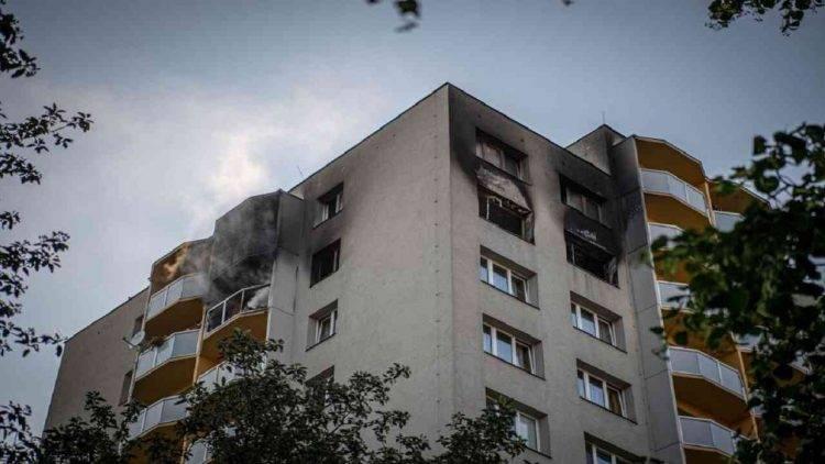 Rep. ceca: incendio in condominio di 13 piani, 11 morti - Ultima Ora