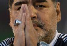La preghiera di Maradona