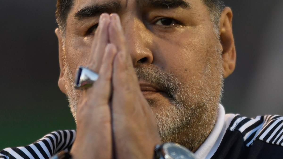 Maradona, com
