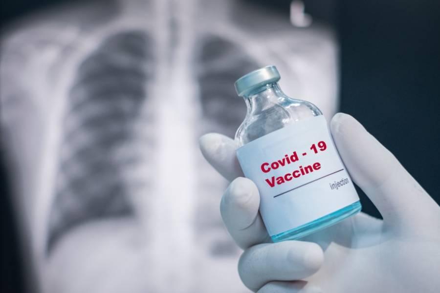 """Coronavirus, l'allarme: """"Se si vaccinasse solo il 30% degli italiani non servirebbe a niente"""". Come Immuni"""