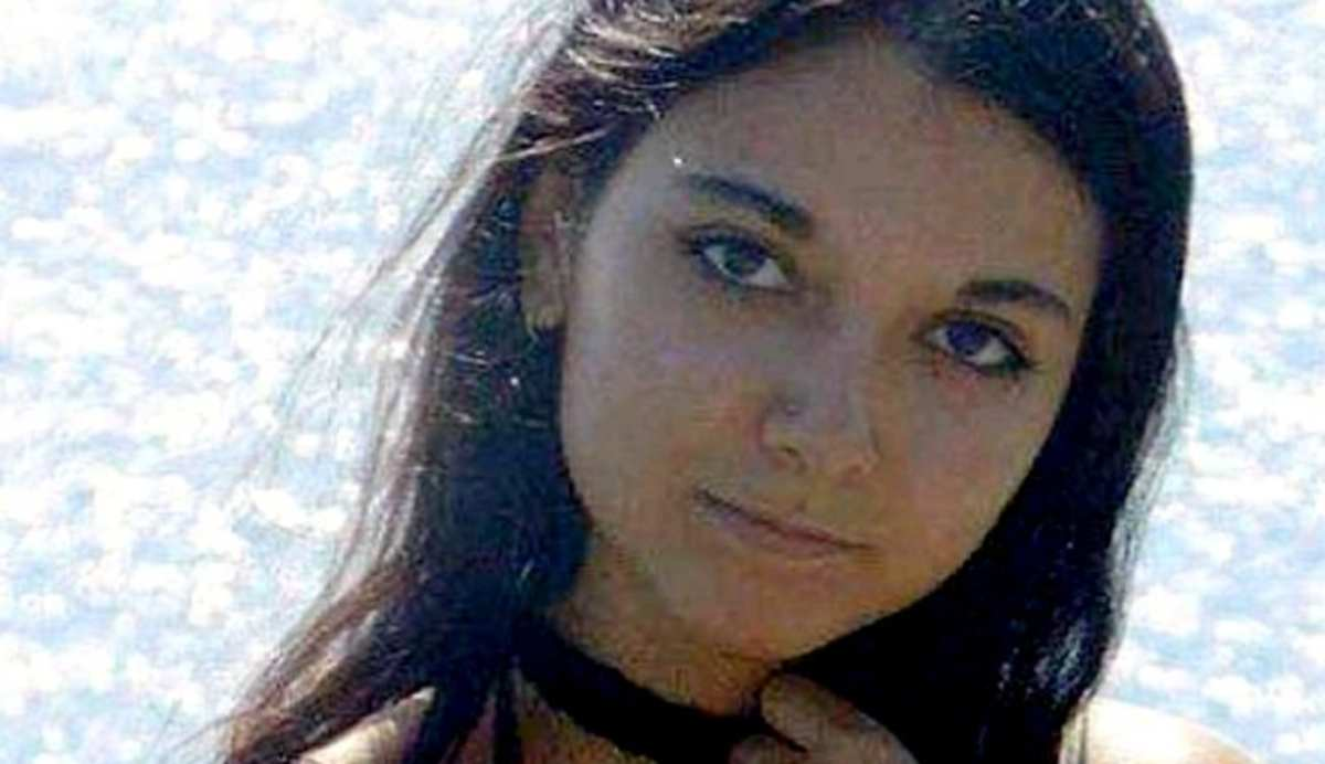 Due giovani amanti uccidono e fanno a pezzi il corpo di un 21enne