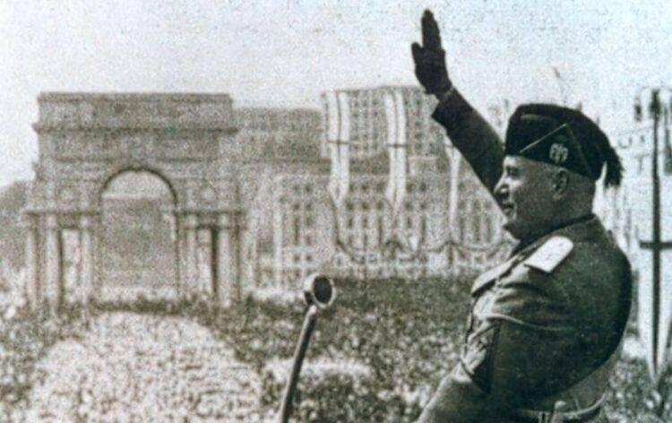 saluto romano fascismo