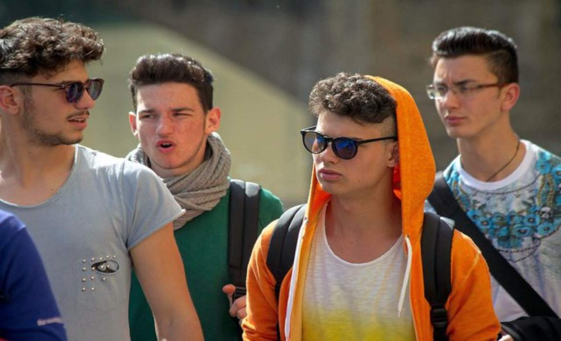 I giovani italiani abbandonano il nucleo familiare sempre più tardi. I più precoci in Europa sono gli svedesi