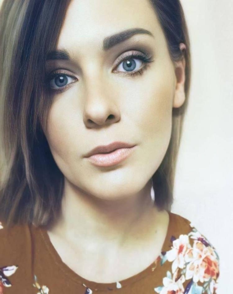 Jessica Hood blogger