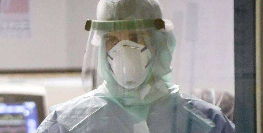 medico febbre alta covid