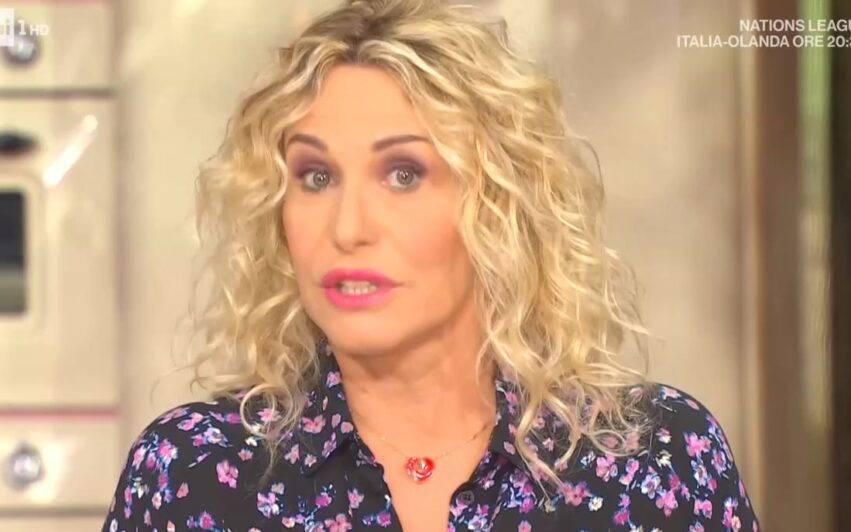 Antonella Clerici commossa in diretta