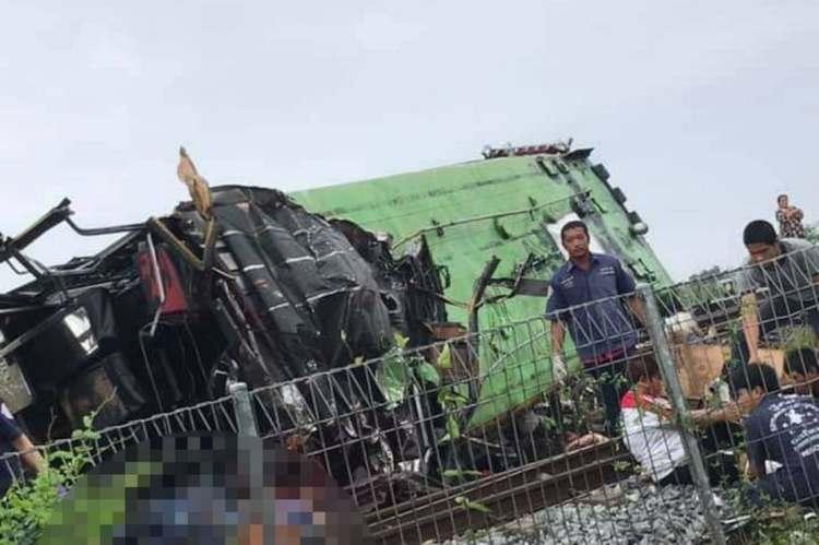 bus treno morti