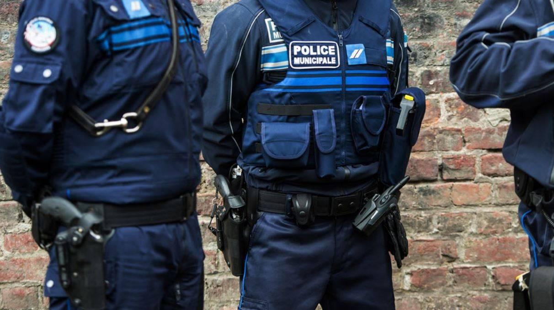 Arrestato 31enne: in casa aveva droga e 90mila euro in contanti