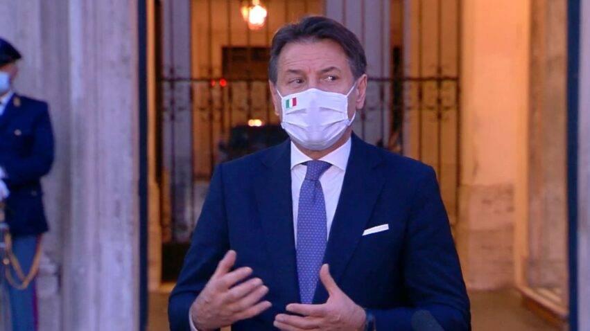 mascherina obbligatoria all aperto