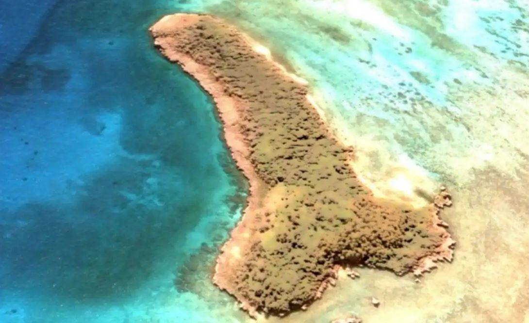 Con Google Maps scopre isola atollo dalla forma fallica nel cuore del Pacifico