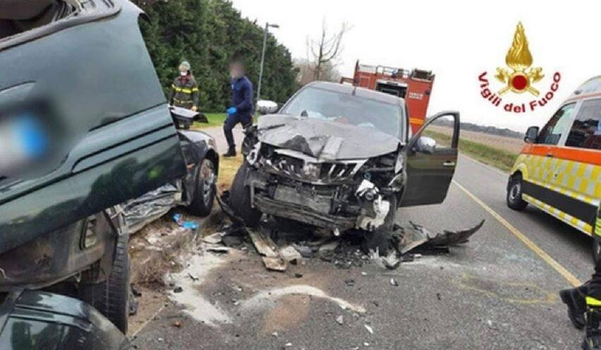 due auto andate distrutte