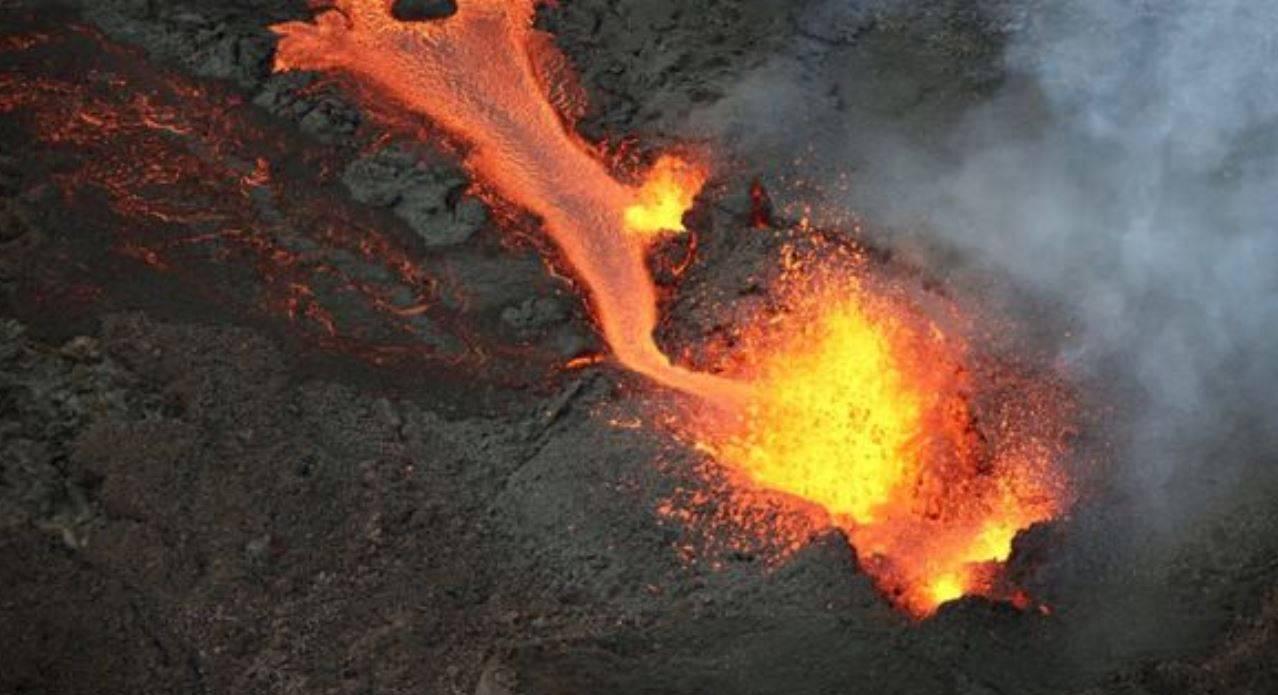 erutta vulcano
