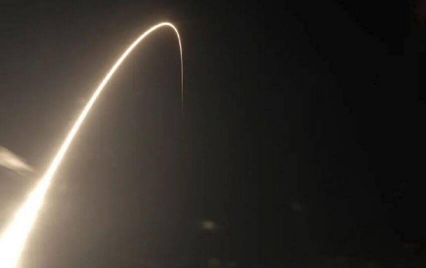 satelliti a 58 metri di distanza